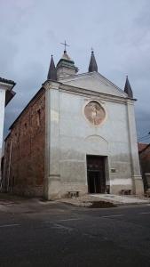 La chiesa di San Sebastiano, a Breme